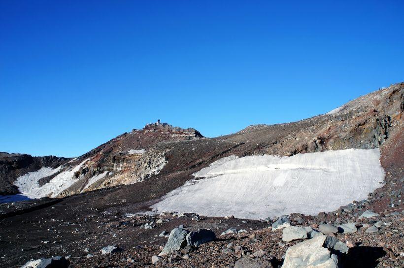 剣ヶ峰のシンボル!旧富士山測候所(富士山特別地域気象観測所)