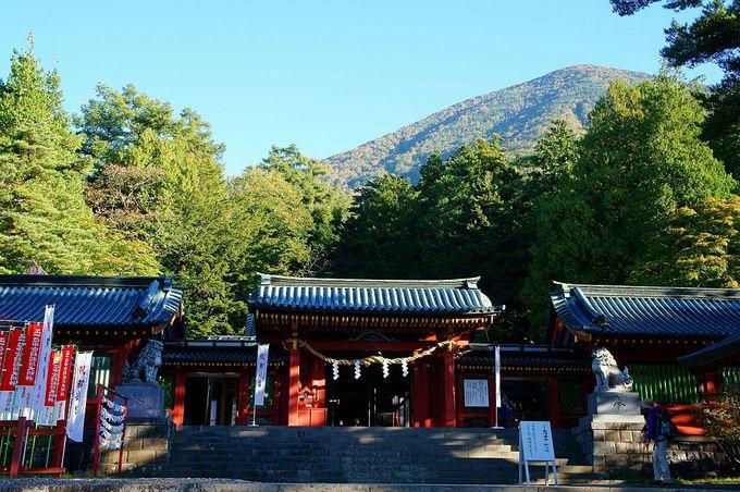 ご神体山・男体山の登拝口に鎮座する古社・日光二荒山神社中宮祠