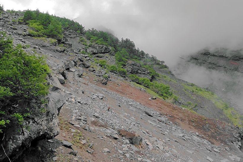「岩の滝」とも呼ばれる大迫力の大沢崩れ!