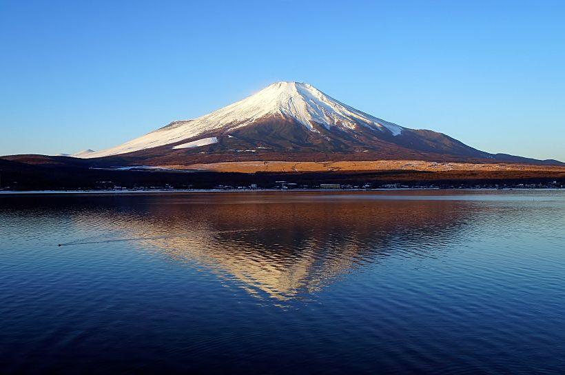 ダイヤモンド富士を長期間見られるイチオシの湖!山梨・山中湖