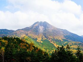 日本百名山・日光白根山の大自然を満喫!気軽に紅葉トレッキング