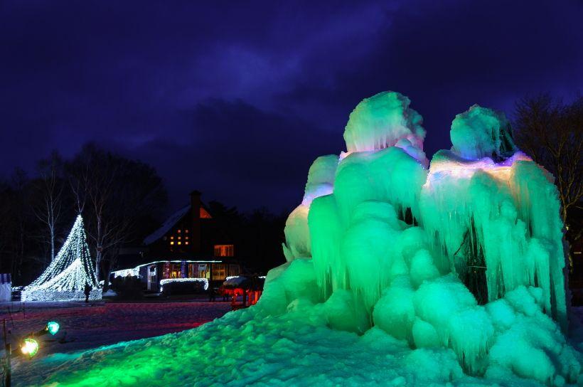 西湖の冬の風物詩「樹氷まつり」
