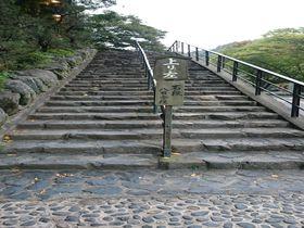 800段の階段を上ってお参りしよう、滋賀「立木観音」!|滋賀県|トラベルjp<たびねす>