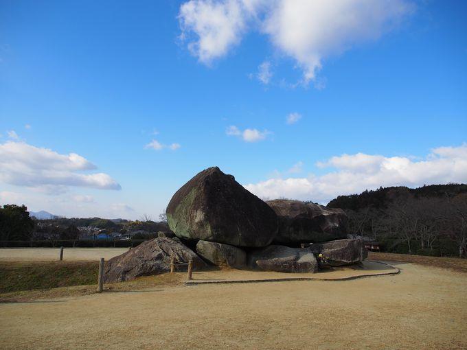 日本最大級の横穴室石室 石舞台古墳