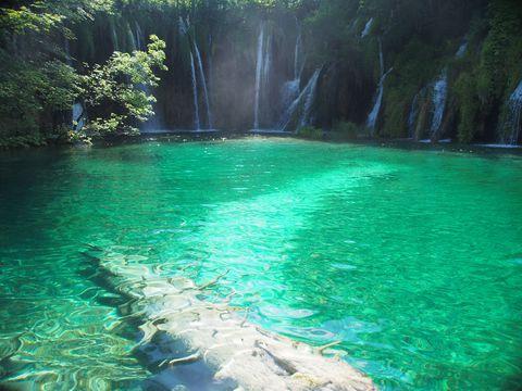 世界自然遺産のプリトヴィツェ湖群国立公園をハイキング