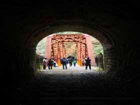 ついに一般公開!冒険と渓谷美のJR福知山線廃線跡ハイキング!|兵庫県|トラベルjp<たびねす>