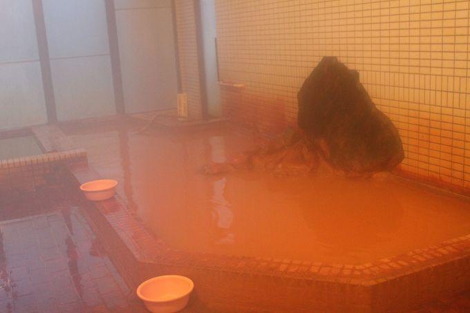 源泉掛け流し、二つの泉源を持つ温泉!
