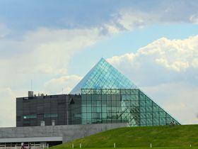 ガラスのピラミットでフランス料理を!札幌・モエレ沼公園|北海道|トラベルjp<たびねす>