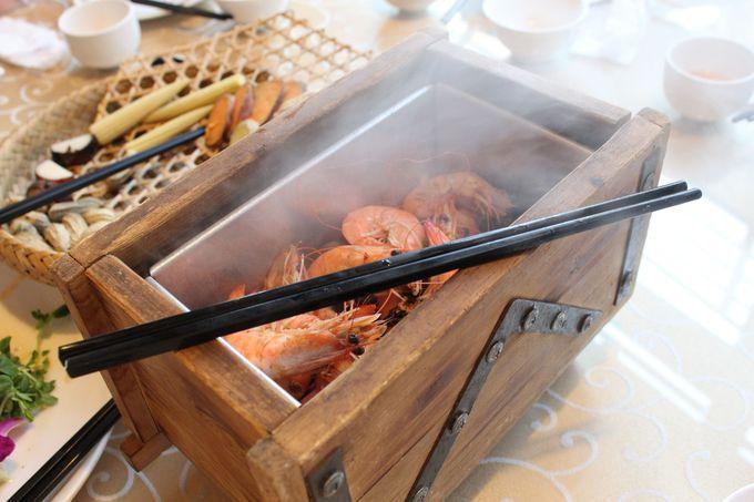 台湾の郷土料理、人気の「鉄観音鉱車石頭蝦」!