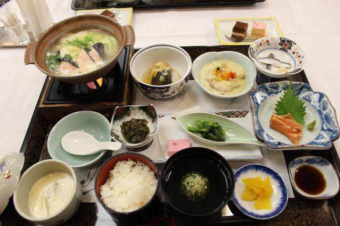 北海道の郷土料理「石狩鍋」のおもてなし