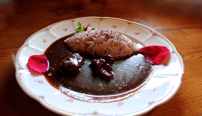 森のレストラン「Ten-Man」でローズビュッフェと薔薇華麗!