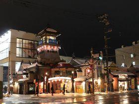 タイムスリップした屋台村!小樽「出抜小路」の魅力|北海道|トラベルjp<たびねす>