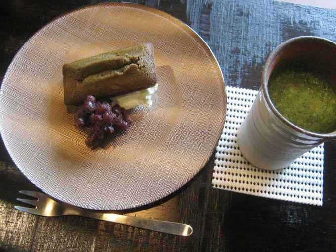 抹茶フィナンシェと阿波和三盆抹茶ラテ