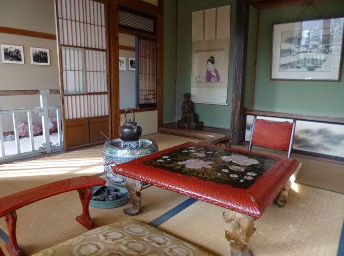 川端康成が小説『雪国』を執筆した「かすみの間」を今に