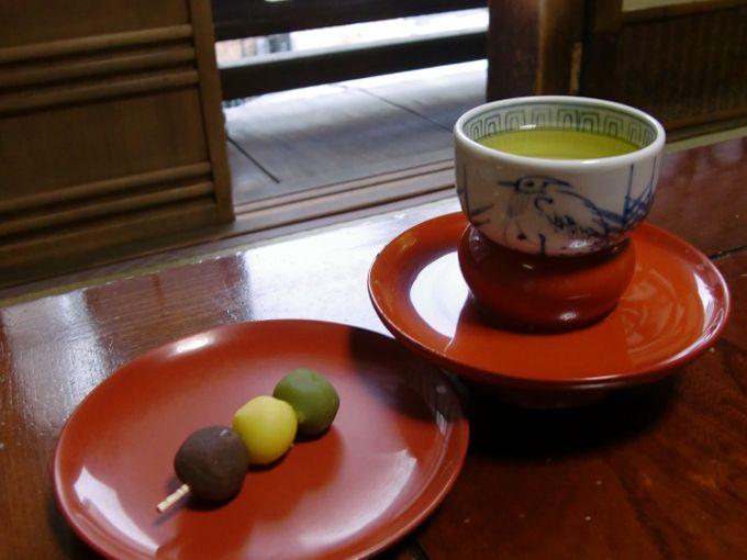 坊ちゃん団子も、ここで味わえば、一味違う、松山・道後旅の味!