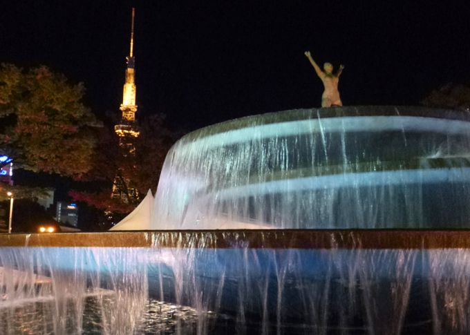 夜の久屋大通り公園周辺は、ロマンチックな夜景散歩コース!
