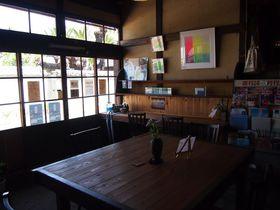 築100年近い歴史ある酒屋を改装!直島の隠れ家的アートカフェ