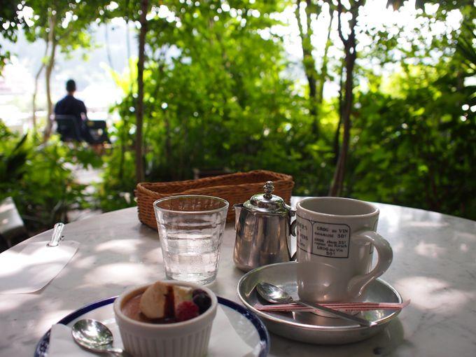 杜の都仙台、広瀬川を見下ろす岸辺の名店カフェ・モーツアルト