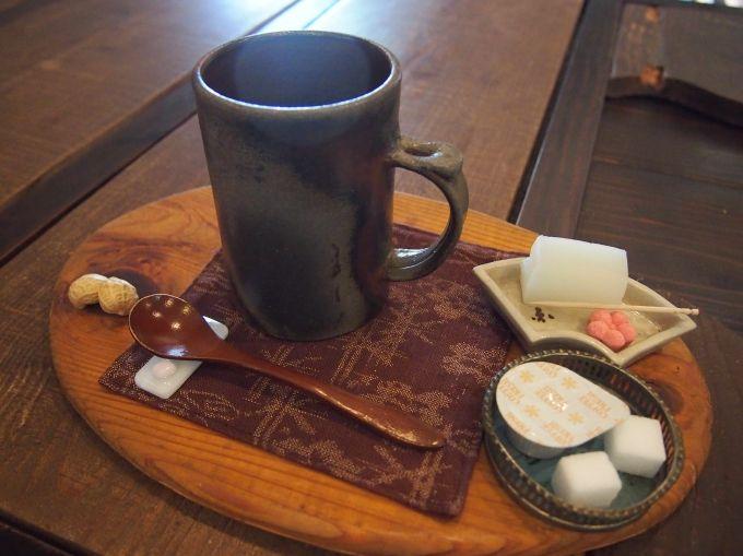 体に優しい、カフェメニューも充実!黒豆珈琲や昔懐かし「はったい粉」も