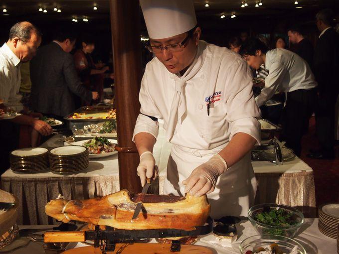 料理もこだわり、グレードアップ!和洋中ビッフェやディナーを楽しめる