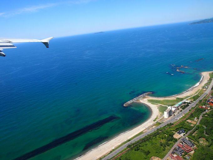 海街の石州瓦の赤瓦の町並み、空からの眺めも美しい