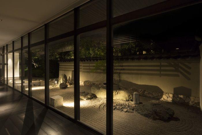 感動体験5 北海道初の屋上庭園「ガーデンダイニング 環樂」の日本庭園