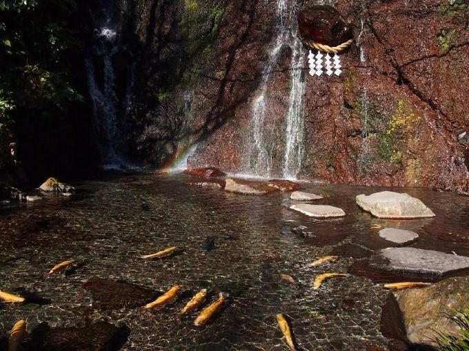 マイナスイオンたっぷり「飛龍の滝・千条の滝・玉簾の瀧」