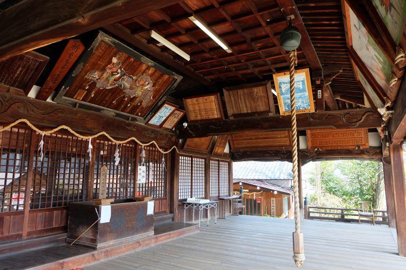 19世紀の美麗拝殿「熊野神社」境内からは黄金の観音像も