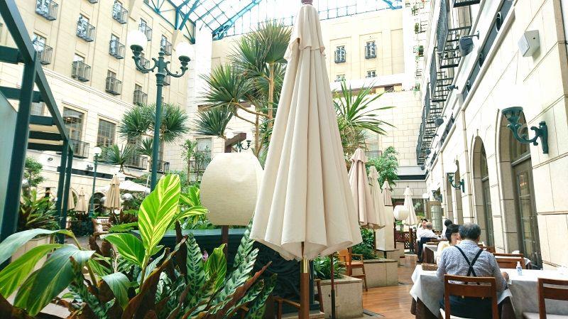 世界的デザイナーが手掛けた「水戸プラザホテル」豪奢な森の中の迎賓館で極上の時を