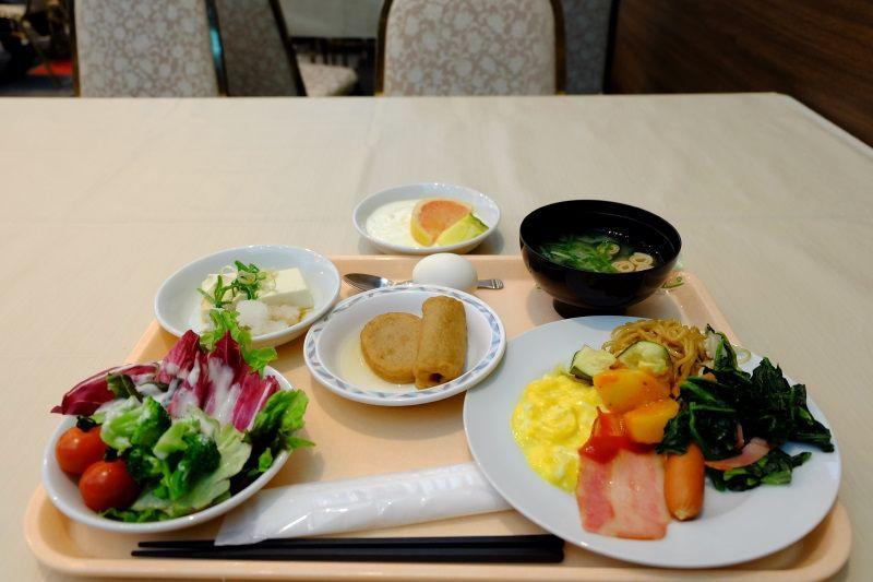 朝食は朝食専用レストラン『さぎ草』で