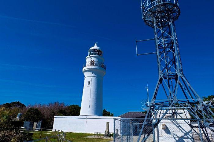 本州最南端に2つの絶景灯台、奇岩「海金剛」も