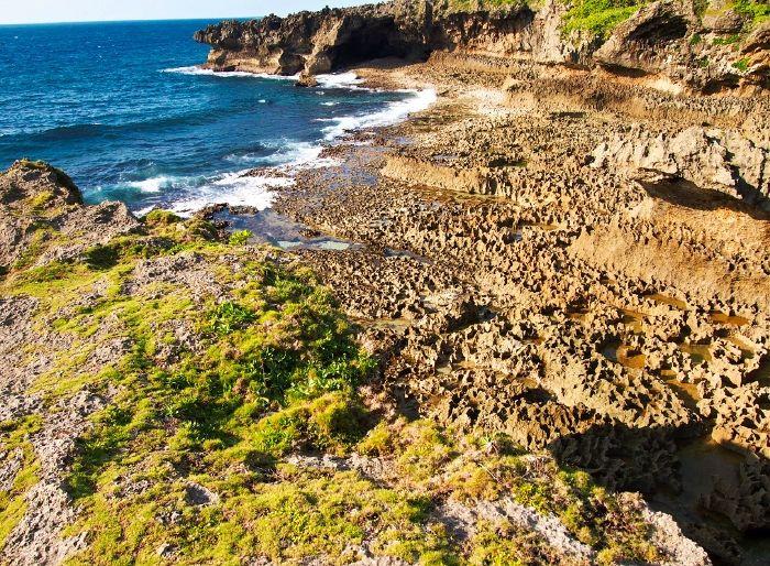 東シナ海の断崖奇岩、犬の門蓋は絶景中の絶景!