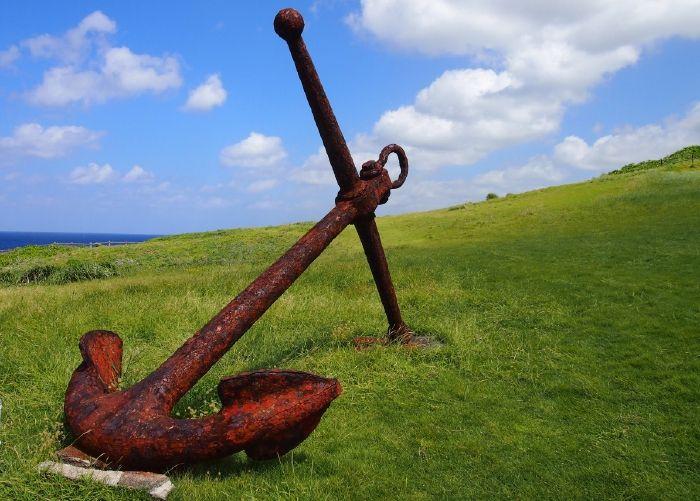 「犬田布岬」に建つ、戦艦大和の慰霊塔