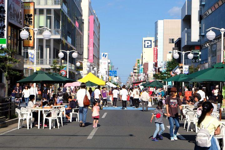 八戸市の中心エリアに位置
