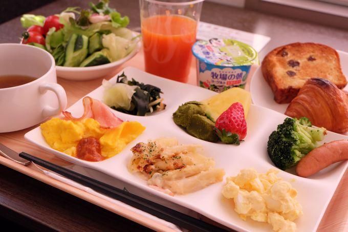 朝食は和洋バイキング!日替わり瀬戸内炊き込みご飯も