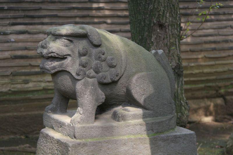 狛犬のデパートや!狛犬愛好家垂涎必至!東京・赤坂氷川神社