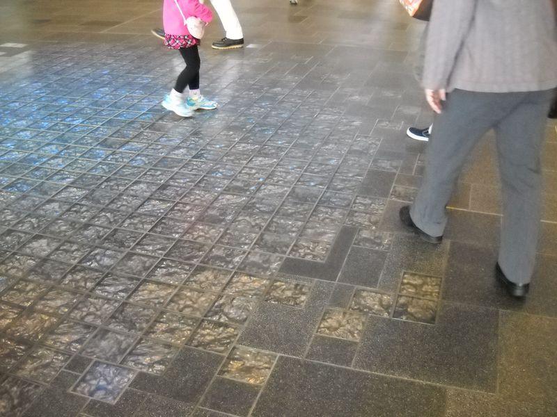 北陸新幹線・富山駅あたりを散策「ガラスの街とやま」を体感