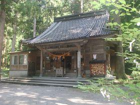 立山信仰の里!厳粛な気配漂う富山県「雄山神社祈願殿」