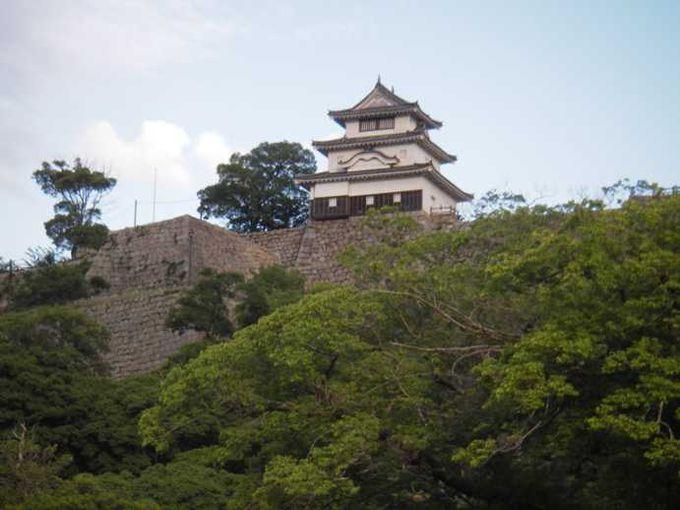 丸亀城は天守閣がかわいらしい