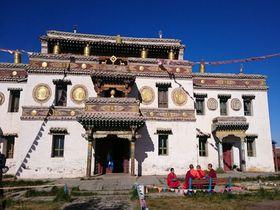 モンゴルの古都カラコルムの「エルデニゾー」でチベット仏教に触れる