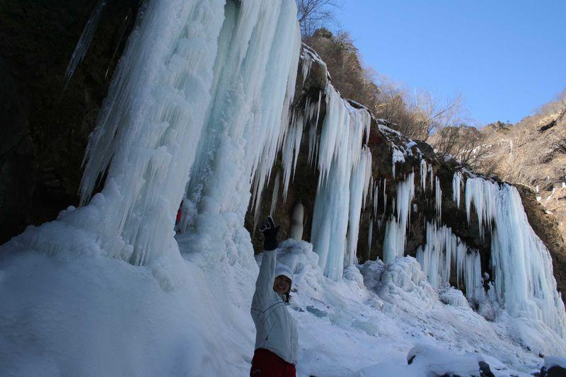 冬を楽しもう!!アイスブルーに輝く氷の世界へ 日光市雲竜渓谷