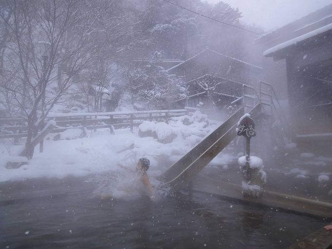 北温泉名物!!一年中泳げる温泉プール