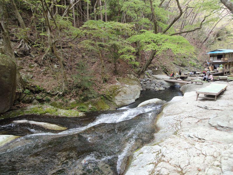 ひ〜んやり涼しい奥塩原の渓流にひっそり佇む小太郎茶屋