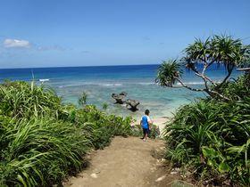 """沖縄本島から車で行ける""""恋島""""と呼ばれる島・古宇利島のハートロックを見に行こう!!"""