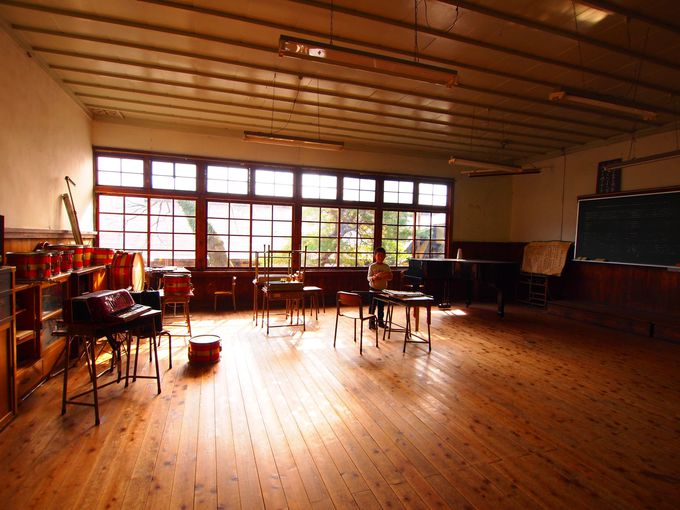 小学校の頃に習った童謡を奏でてみたくなる音楽室