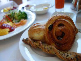 幸せな朝時間!東京港区「セレスティンホテル」で話題のメゾン・ガイザーのパンと朝からシャンパン|東京都|トラベルjp<たびねす>