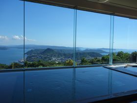 九十九島を眺める絶景風呂!!西海国立公園に建つ「弓張の丘ホテル」は佐世保駅から車で15分|長崎県|トラベルjp<たびねす>