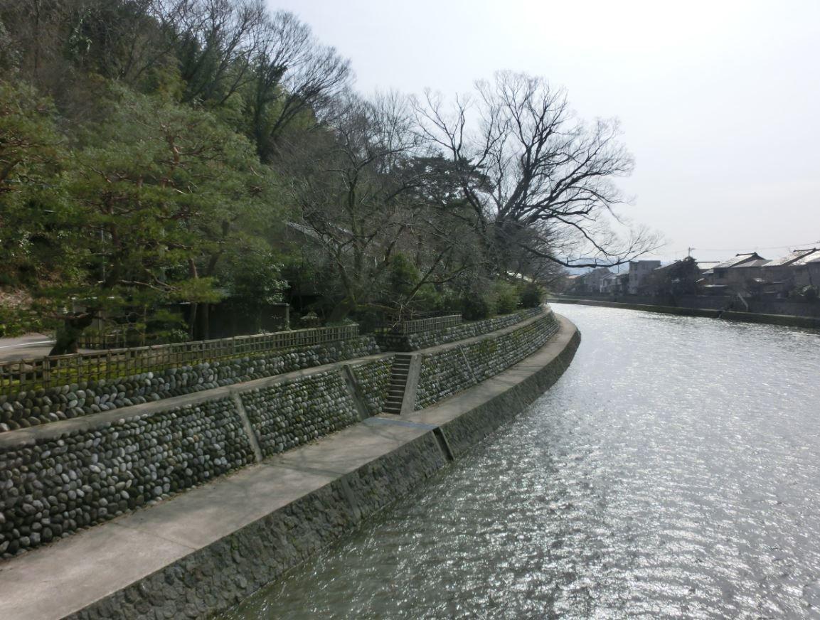 真夜中に無言で歩く!浅野川「七つ橋めぐり」とは