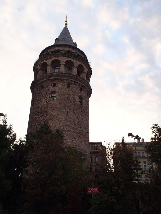 イスタンブールの街を360度見渡せる「ガラタ塔」