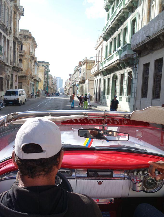 キューバ人ドライバー&ガイドと、楽しいドライブを!